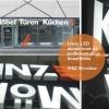 Realizacja Liter LED dla VINZ z Wrocławia . Korpusy liter w całości aluminiowe, frontu kolorowa pleksi. Litery na podkonstrukcji.