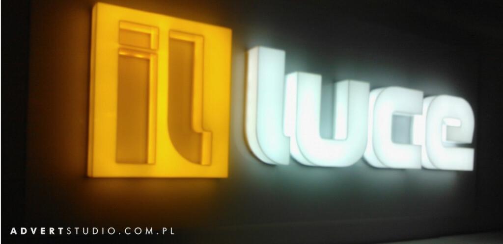 Litery swietlne (efekt swietlny ) Iluci w DomEXPO. Advert Reklama