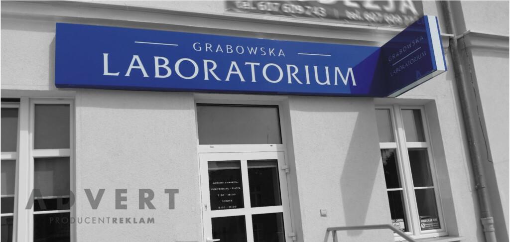 oznakowanie laboratorium Grabowska - kasetony z dibondu - producent reklam advert