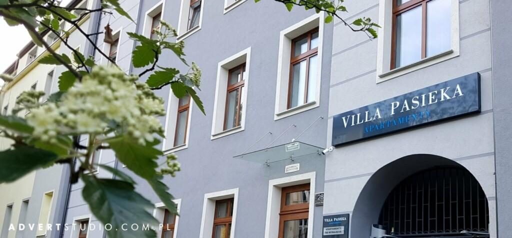 szyld Villa Pasieka Apartamenty-ADVERT REKLAMA oPOLE