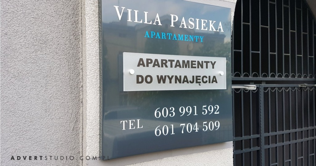 tabliczka Villa Pasieka Apartamenty- producent reklam advert