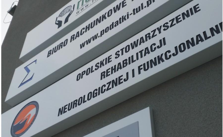 kasetony podswietlane z solidnego niefalujacego materialu-advert producent reklam