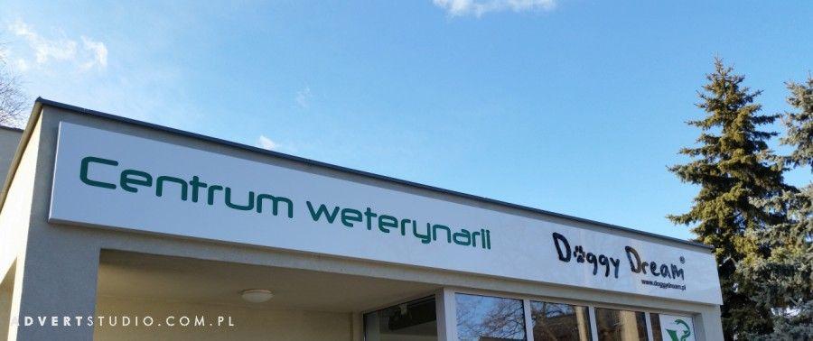 Oznakowanie budynku Centrum weterynarii Doggy Dream - advert Opole