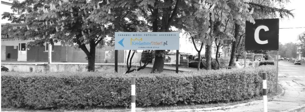 Tablica kierunkowo-dojazdow- advert reklama