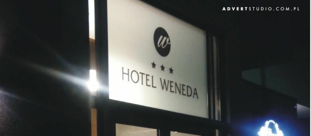 Stylizacja witryny hotelu Weneda - advert reklama
