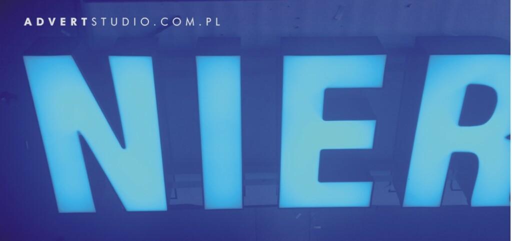 efekt swietlny liter LED - litery podswietlane advert reklama