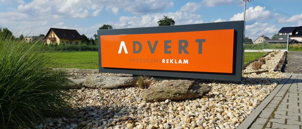 pylon reklamowy advert