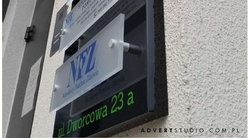 tablica wymiennymi nazwami gabinetow lekarskich - reklama advert opole -producent nowoczesnych reklam