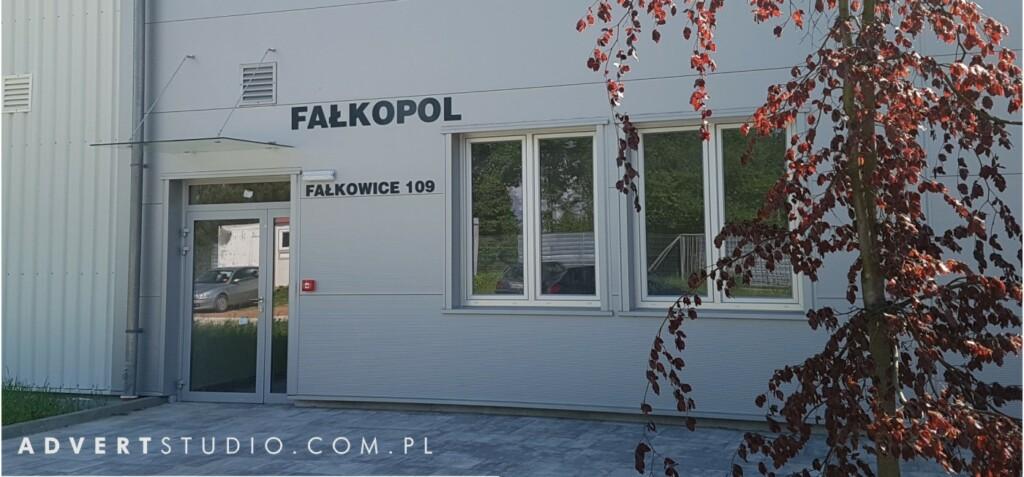 oznakowanie hali Falkopol advert