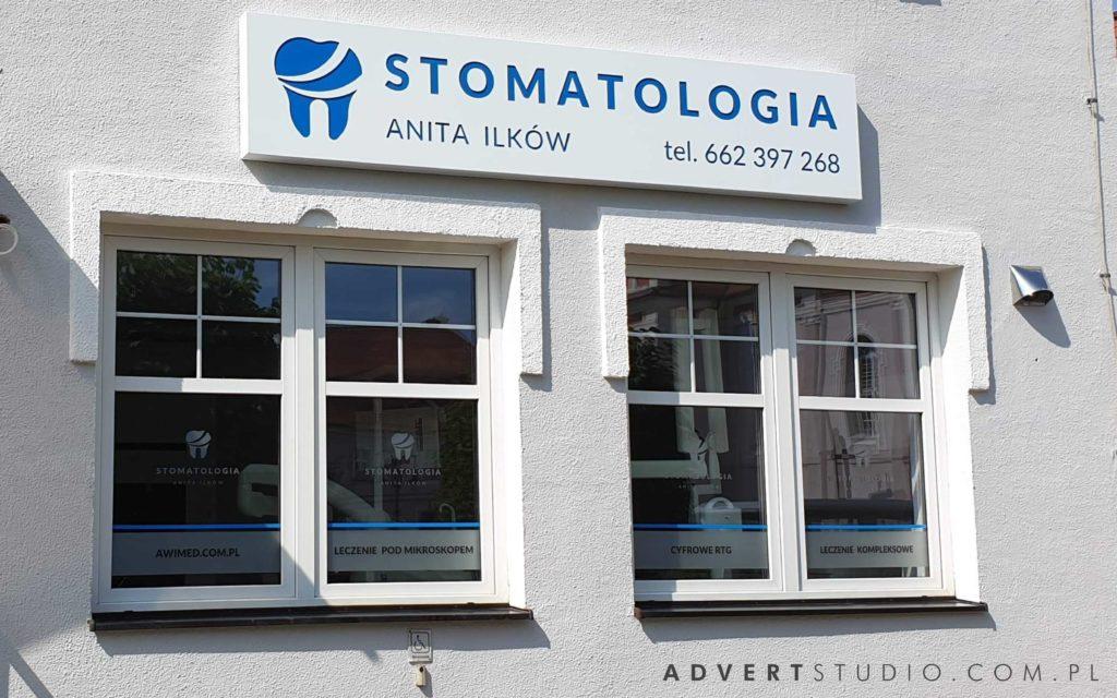 oznakowanie kliniki stomatologii Ilkow