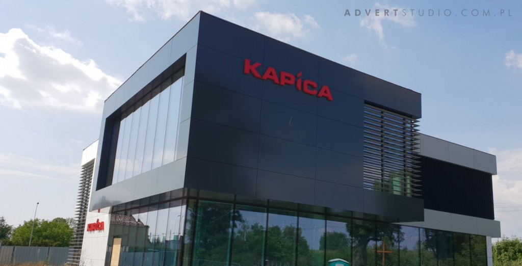 Oznakowanie biurowca Kapica w Opolu