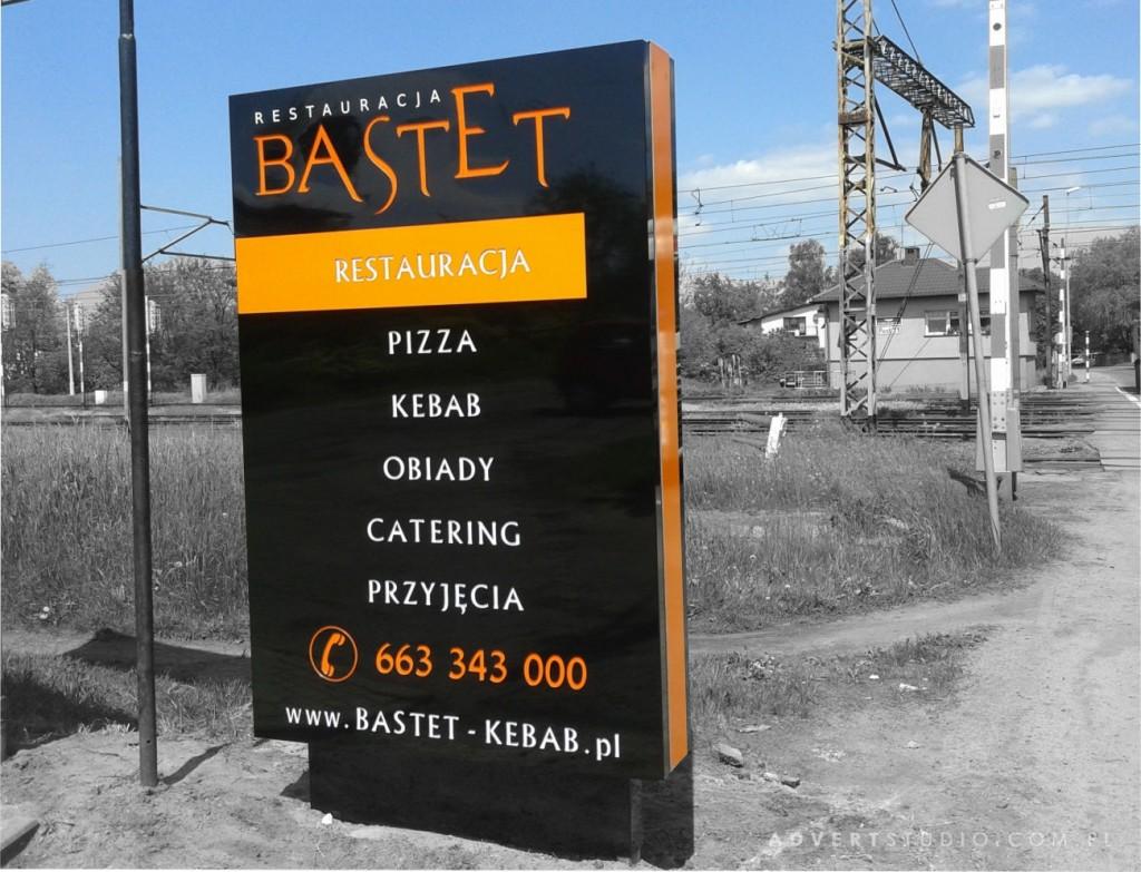 pylon przydrozny Restauracja Bastet Kluczbork
