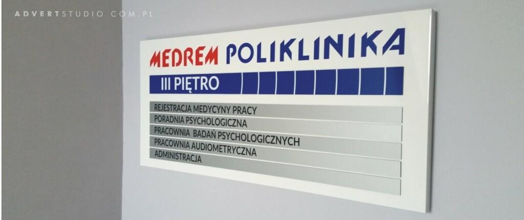 tablica-informacyjna-dla-polikliniki-madrem-opole-advert-reklama-opole