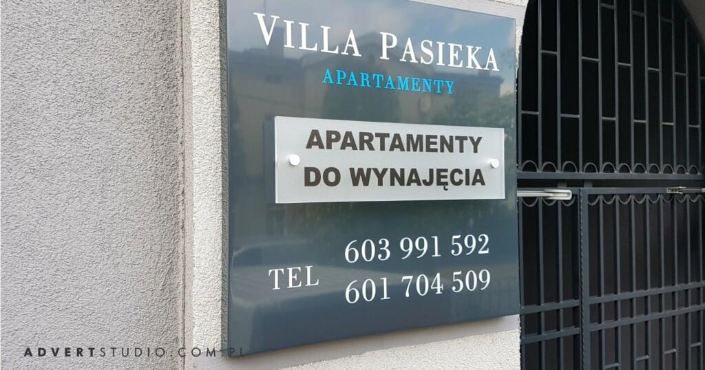 tabliczka Villa Pasieka Apartamenty- producent reklam advert