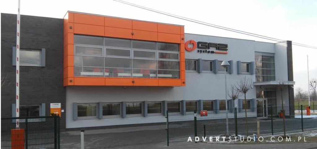 oznakowanie budynku Gaz System literami podswietlanymi-producent reklam advert opole