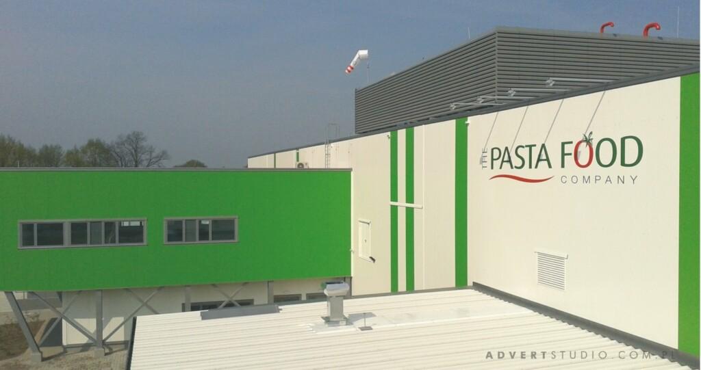 oznakowanie-hali-literami-z-kompozytu-aluminiowego-pasta-food-advert-producent-reklam