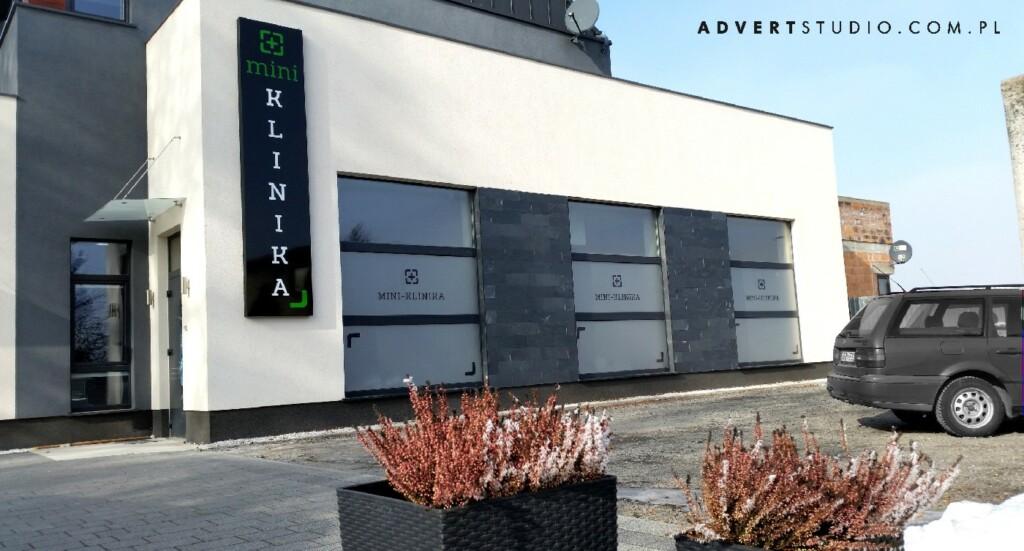 oznakowanie reklamowe Mini Kliniki - stomatologi Glogowek-producent reklam advert opole wroclaw