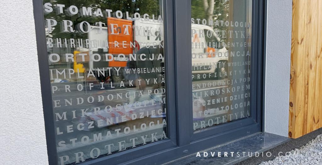 oklejenie witryn dentysty-oznakowanie firm -advert reklama opole