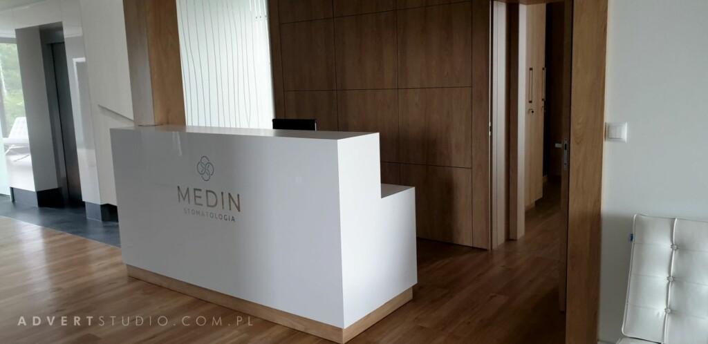 oznakowanie kliniki Medin 1