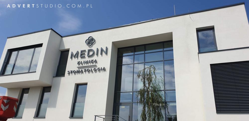 oznakowanie kliniki Medin